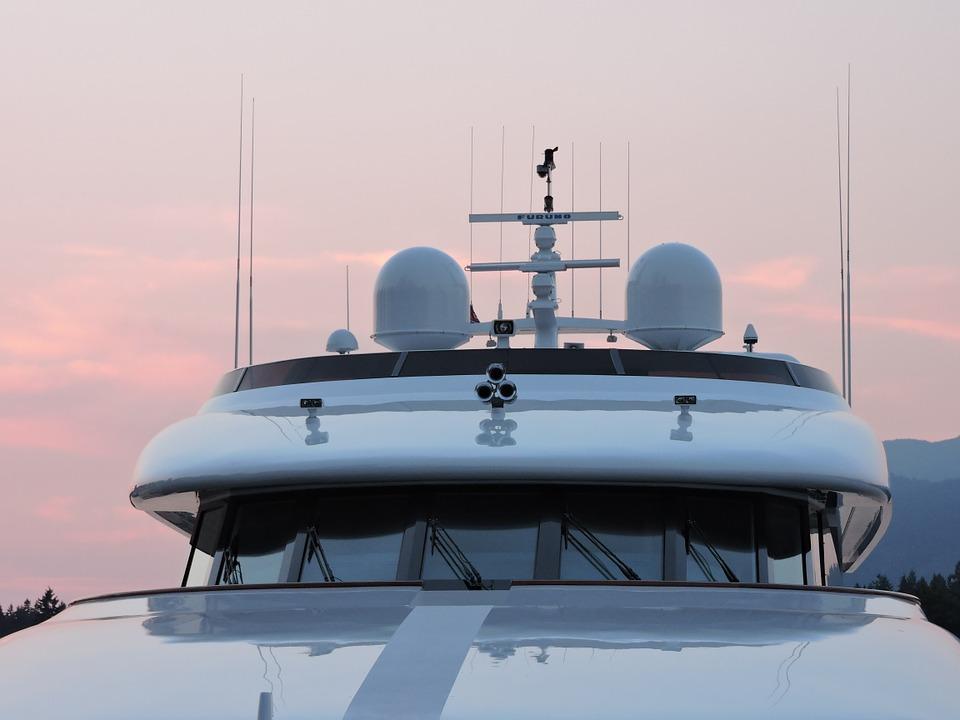 La Ciotat : inquiétude autour des gaz rejetés par les méga-yachts